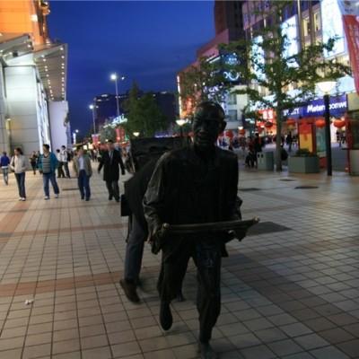 商业中心电影院旁一楼铺  可做两层