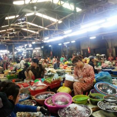 杨浦区平凉路生鲜超市 蔬菜肉类水产档口 租金3500