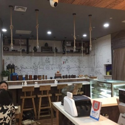 虹口区陆家浜路峨眉路 一楼沿街旺铺通燃气餐饮可做业态不限