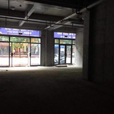 空铺招租地铁口商业区,人流量大