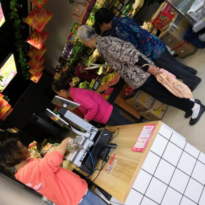 大型社区底商,临街纯一层生鲜超市转让,业态不限