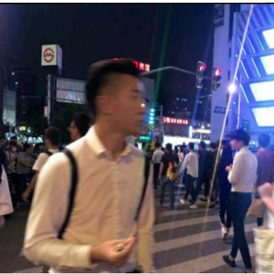 浦东蓝村路沿街旺铺,靠近地铁出入口,全天人流爆满