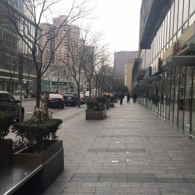 徐家汇中心地段商铺出租、人流量多、周边高档小区林立、260平