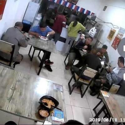 张姐烤肉拌饭米线馄炖店急兑