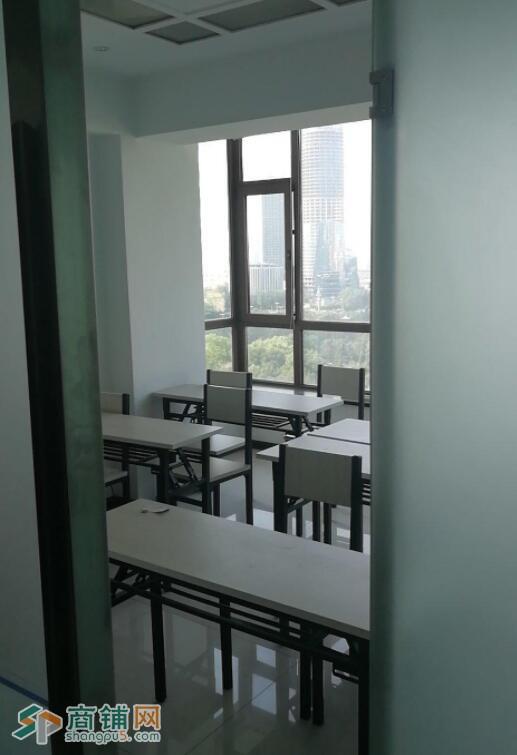 新装修教室出租教学设备齐全