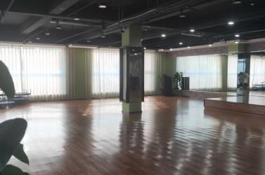 新华区独立三楼办公楼开间出租