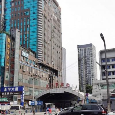 地铁口单价8千 一环路梁家巷  城北车站公寓急售