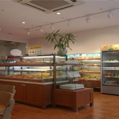 售 世茂欧尚超市入口处 沿街旺铺 年租金 18万 带租约