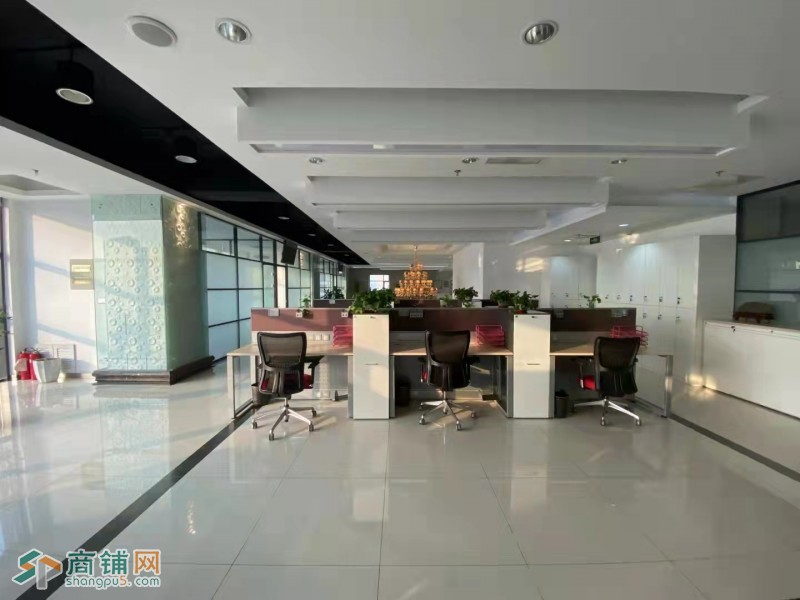 浑南区国贸中心写字楼1189平办公环境舒适交通便利
